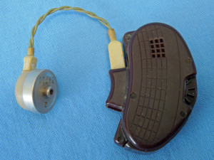 Sonotone Model 79 Behind-the-ear Hearing Aid